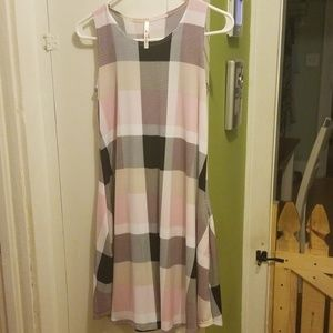 Tunic dress with pockets